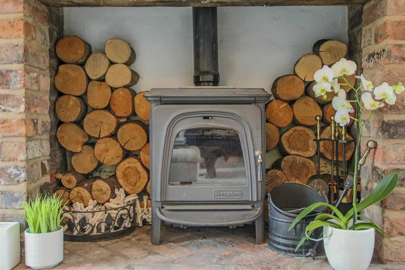 4 Bedroom Semi Detached Cottage For Sale - Image 37
